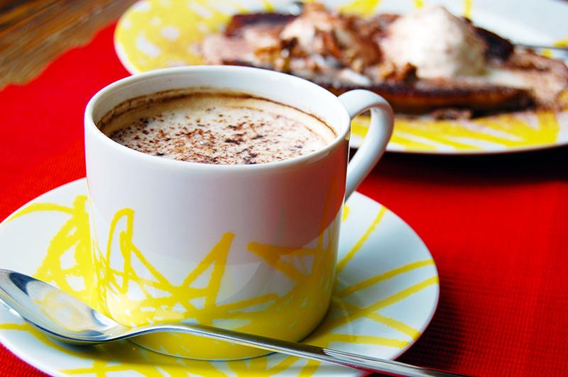 Banana split z kawa jako dodatkiem_a