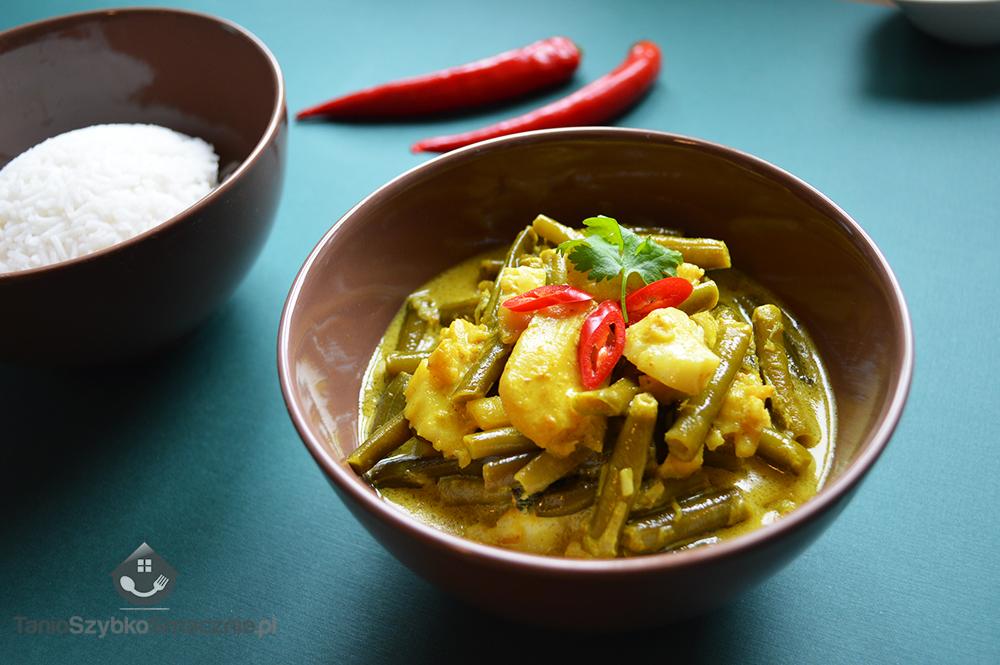 Żółte curry z rybą i fasolką_04a
