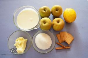 Jabłka z lodami śmietankowyi, sosem toffi i bitą śmietaną_01a