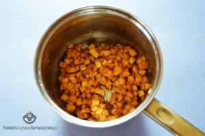 Jabłka z lodami śmietankowyi, sosem toffi i bitą śmietaną_02a