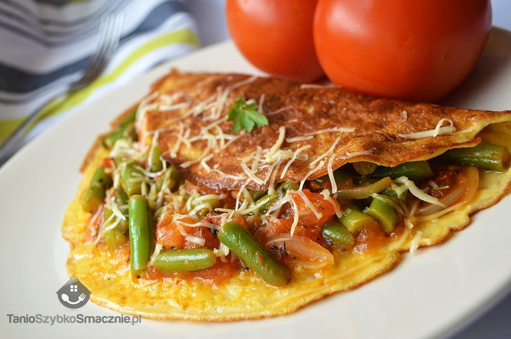 Omlet z fasolką szparagową i pomidorami_06a