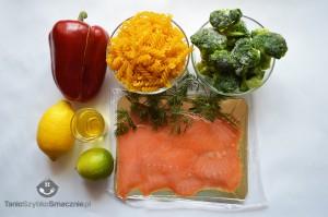 Sałatka z makaronu, brokułów i łososia_01a