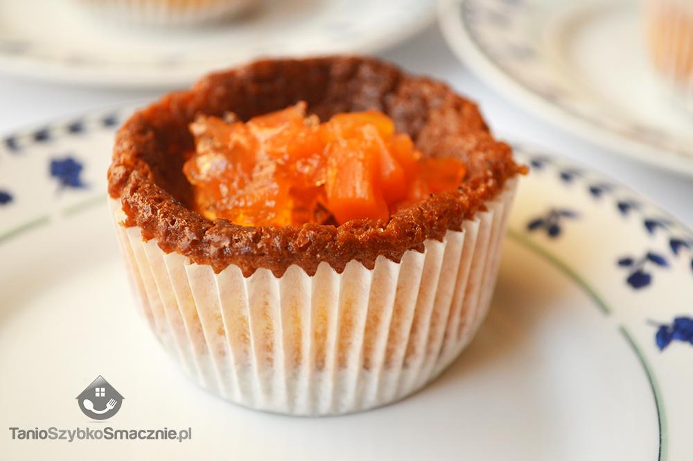 Serniczki-muffinki z galaretką marchewkową_07a