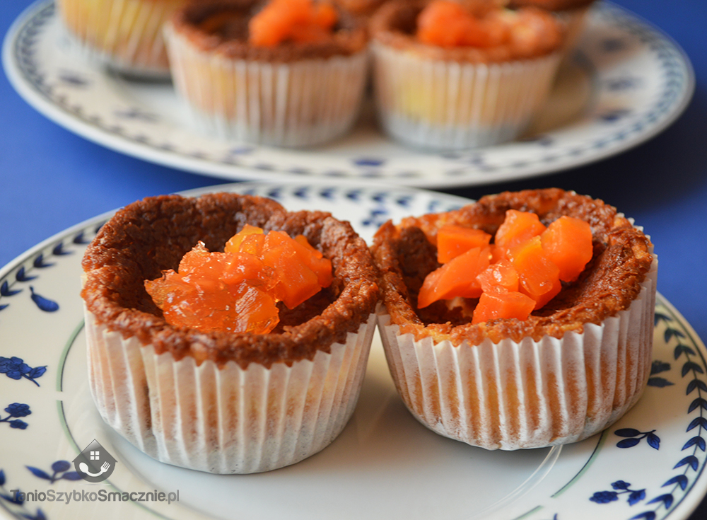 Serniczki-muffinki z galaretką marchewkową_08a