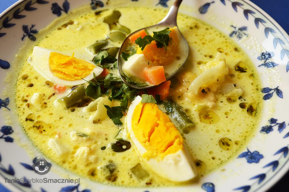 Szybka zupa jarzynowa z jajkiem i serem żółtym_05a