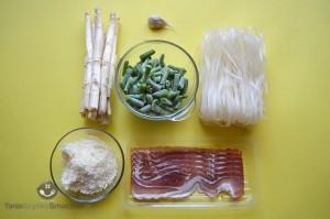 Makaron ryżowy z białymi szparagami i fasolka szparagową_01a