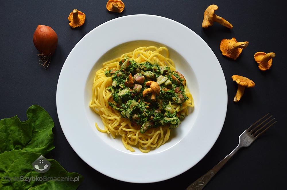 Spaghetti ze szpinakiem, boczkiem i kurkami_04a