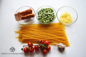 Spaghetti z groszkiem, boczkiem i pomidorkami koktajlowymi_01a