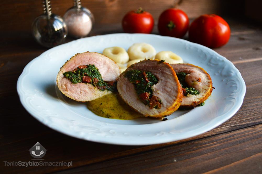 Polędwiczki wieprzowe faszerowane szpinakiem i suszonymi pomidorami_05a