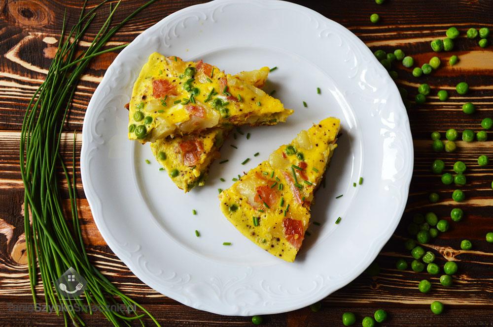 Omlet z kopytek z groszkiem i szynką_05a