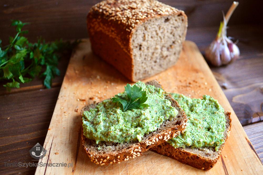 Pasta z zielonego groszku i koperku_02a