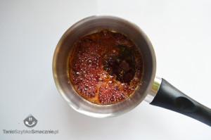 Puchar śliwkowo-wiśniowy z lodami w sosie waniliowym_02a