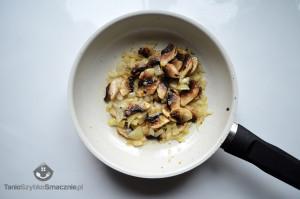 Ziemniaki zapiekane ze szpinakiem i pieczarkami w białym sosie_02a