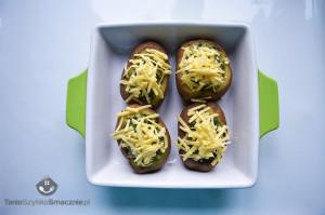 Ziemniaki zapiekane ze szpinakiem i pieczarkami w białym sosie_05a
