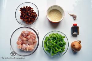 Kurczak z suszonymi pomidorami i fasolką szparagową_01a