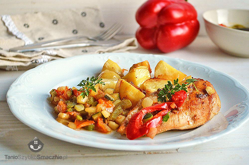 Szybki obiad z kurczaka, ziemniaków i mieszanki leczo_03a