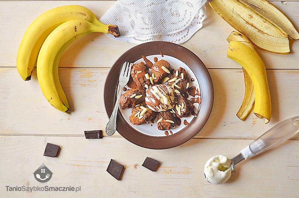 Deser z bananowych pączków i lodów